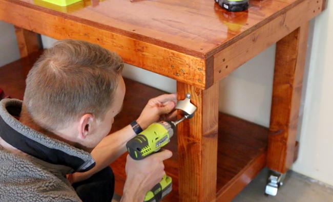 simple workbench, diy workbench, diy, workbench, woodworking, woodworking bench, work bench, diy work bench